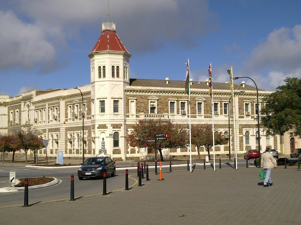 Port Adelaide, Adelaide