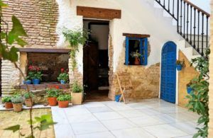 Room in renovated villa seville