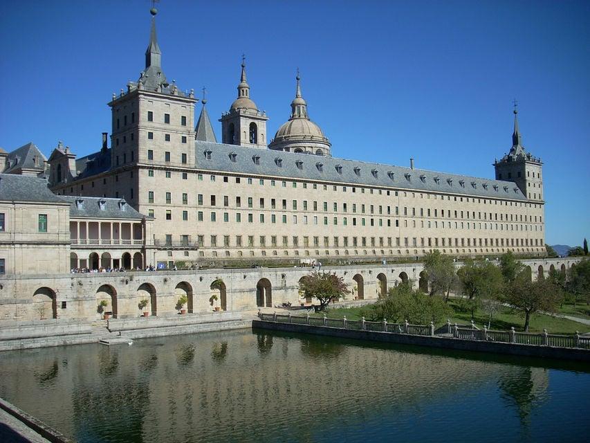 Royal Monastery of El Escorial & Valley of the Fallen Tour