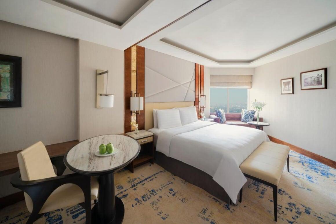 Shangri La's - Eros Hotel