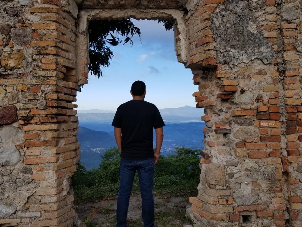honduras safe to travel alone