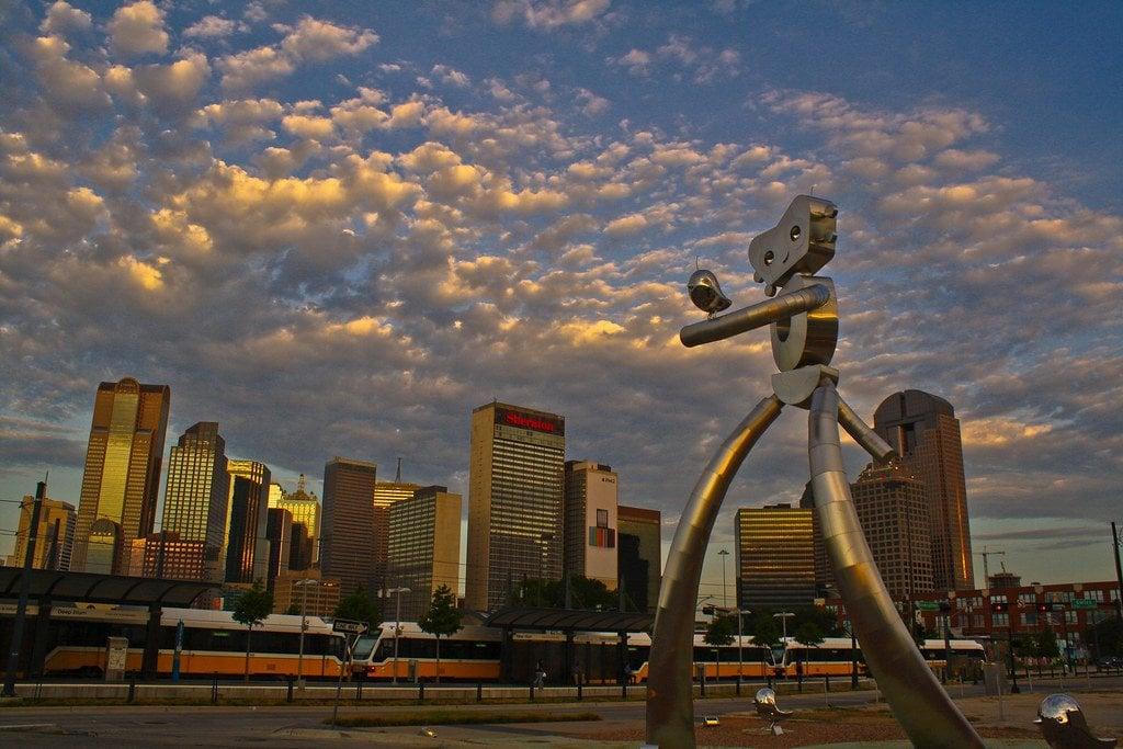 The Travelling Man, Dallas
