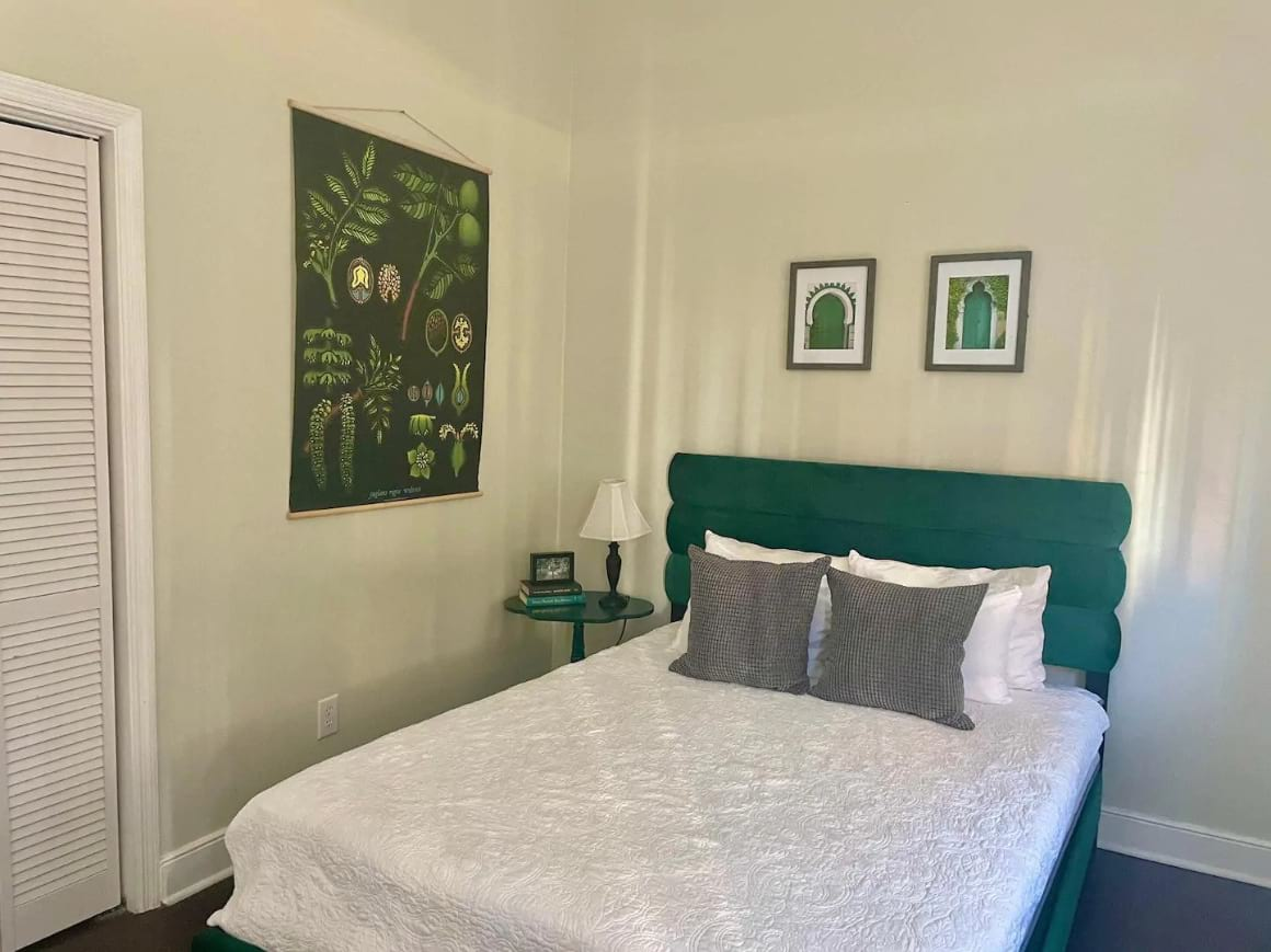 Two Bedroom Apartment near King Street