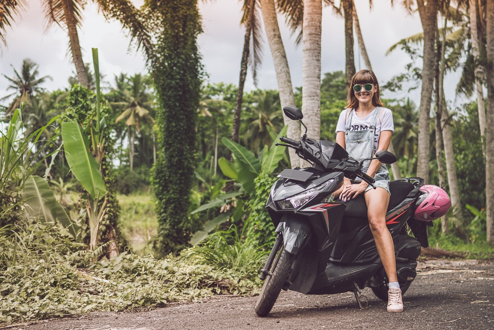 renting a scooter on nusa lembongan bali
