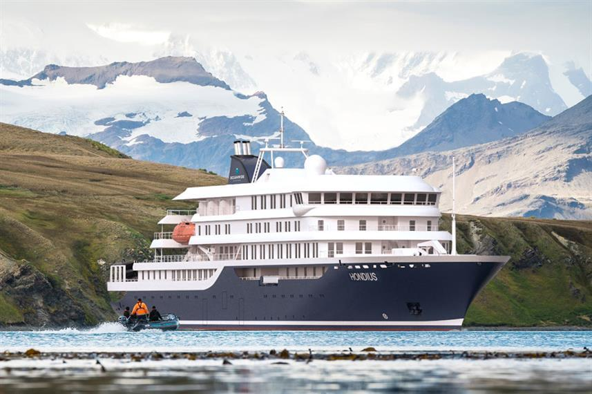liveaboard cruise tours in Antartica