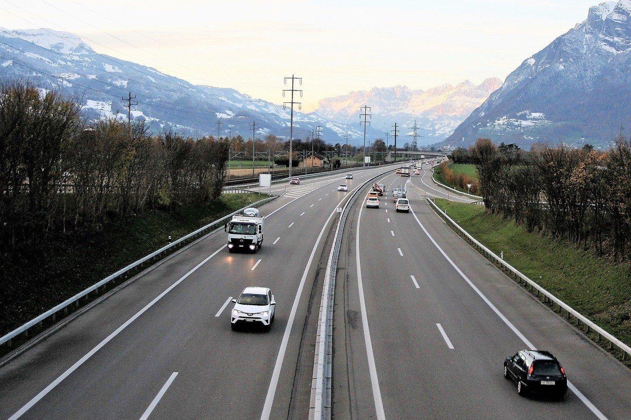 switzerland safe to drive road