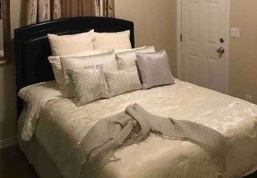 Charming Compact Room in Downtown San Antonio