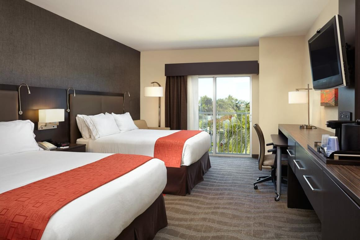 Holiday Inn Express Naples Downtown