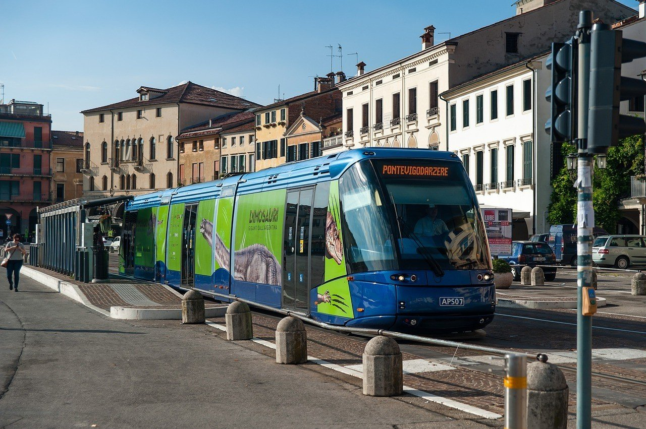 Is public transportation in Italy safe