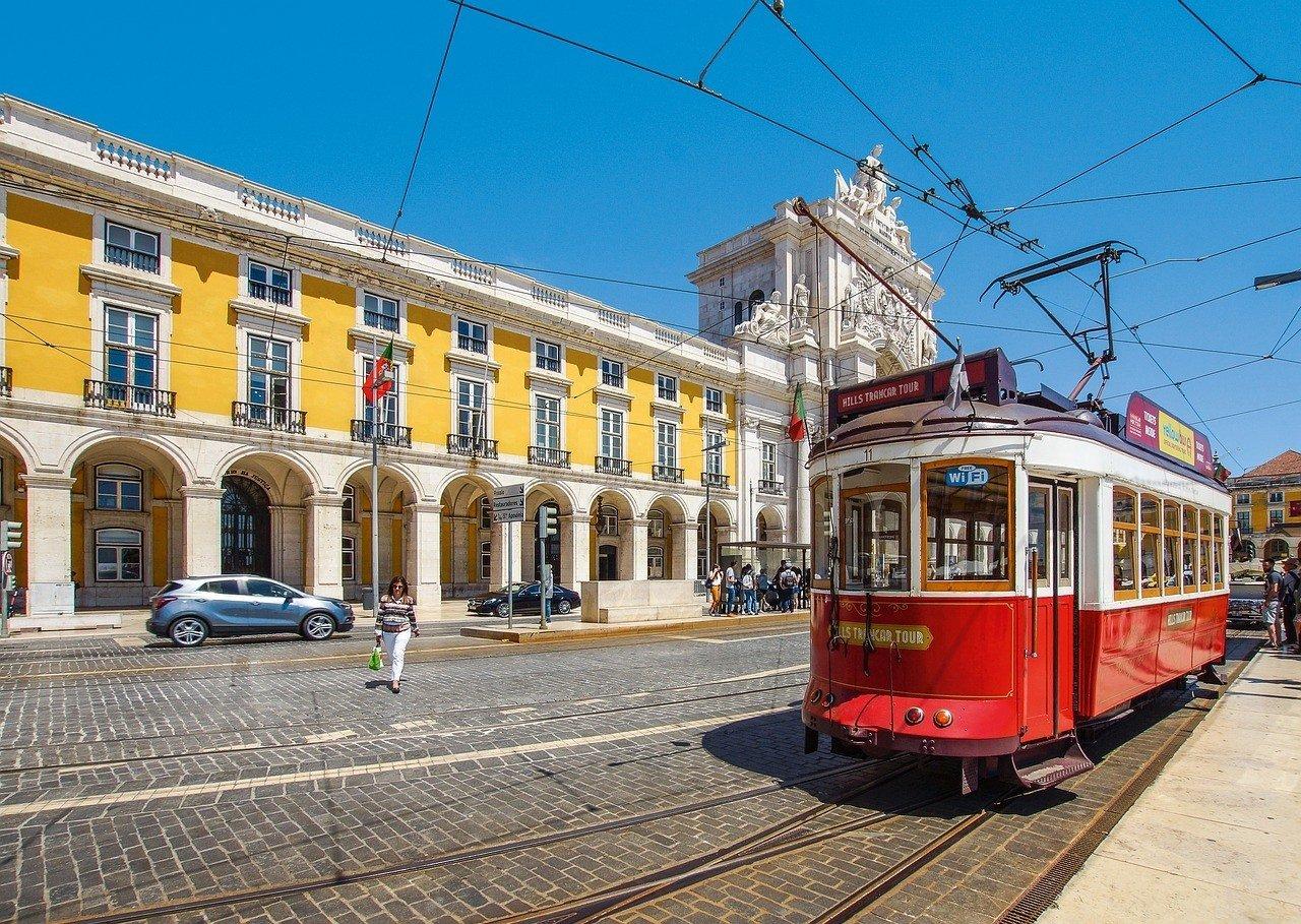 Is public transportation in Lisbon safe