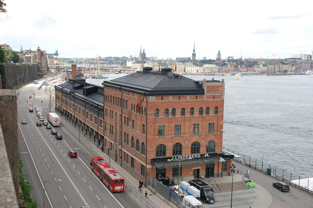 Is public transportation in Sweden safe