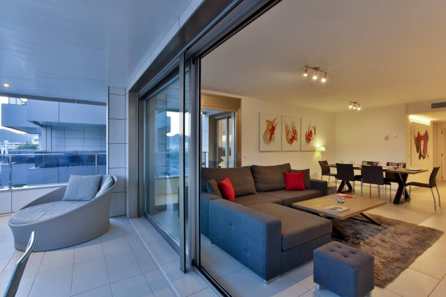 Modern Room in Paseo Maritimo