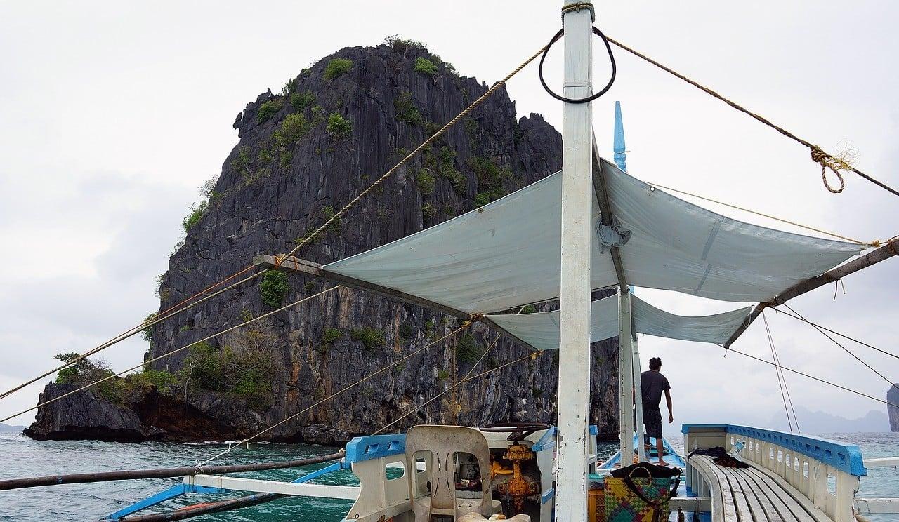Sailing El Nido's Ocean