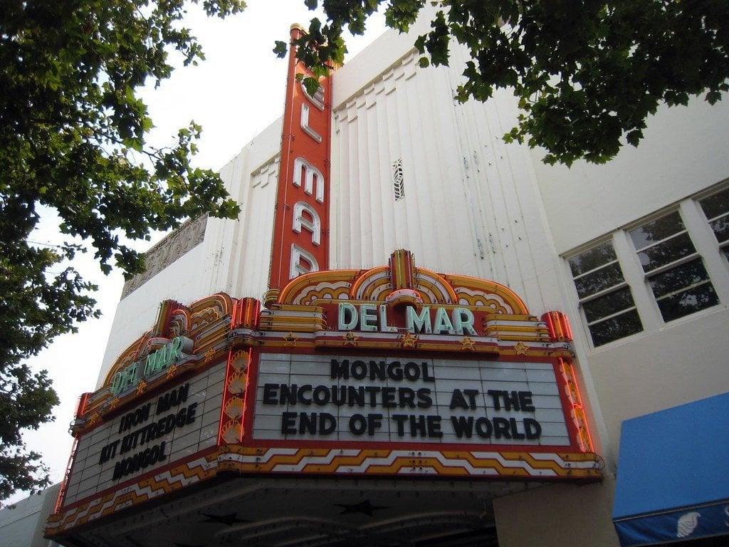 Santa Cruz entertainment