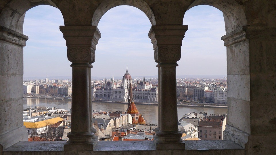 safety tips for traveling in budapest