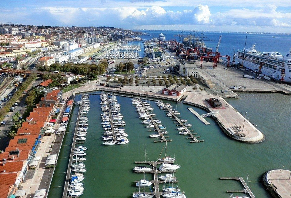 safety tips for traveling in lisbon