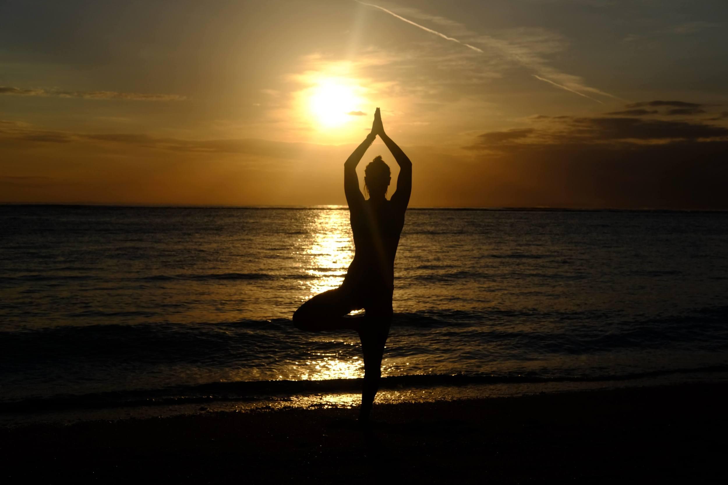 yoga on the beach in bali nusa lembongan