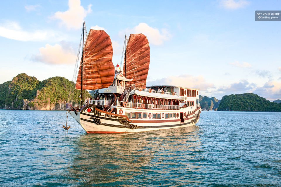 2-Day Royal Palace Ha Long Bay & Ti Top Island Cruise