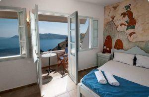 Charming rustic flat on the cliffs Santorini
