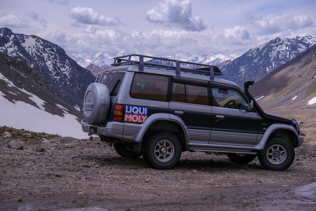 renting a jeep in kyrgyzstan mountain pass