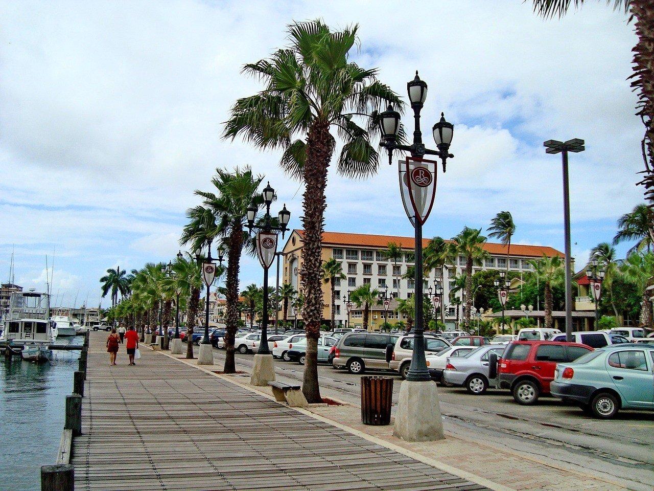 Is Aruba safe to live