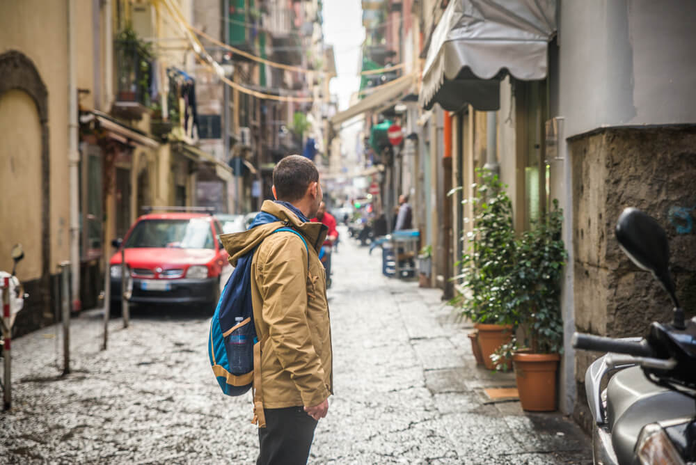 Is Naples safe to travel alone