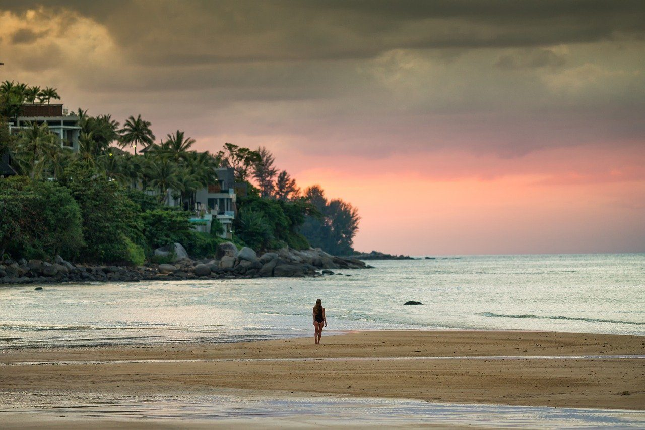 Is Phuket safe for solo female travellers