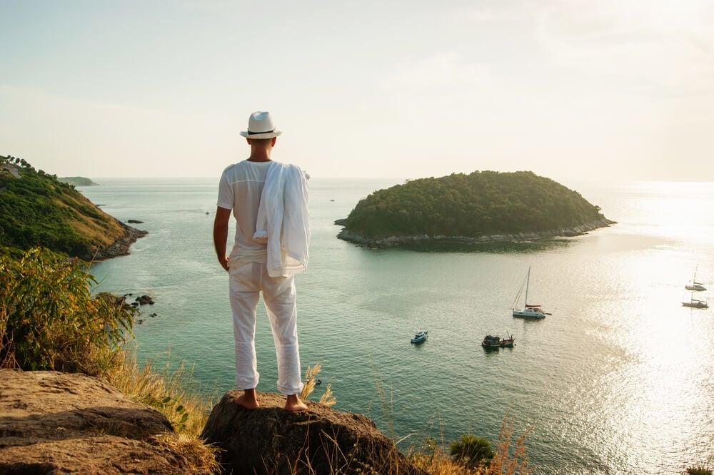 Is Phuket safe to travel alone