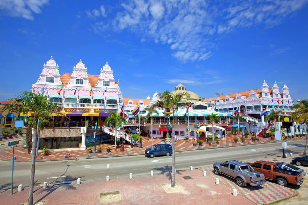 Is it safe to drive in Aruba