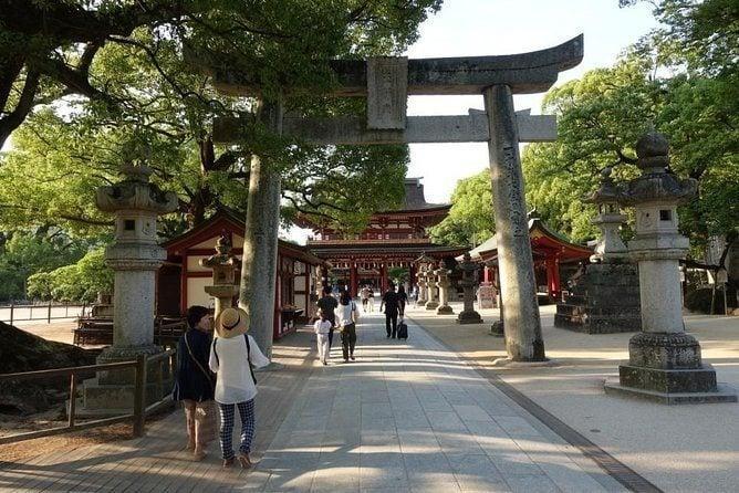 Kumamoto Castle and Yanagawa Tour