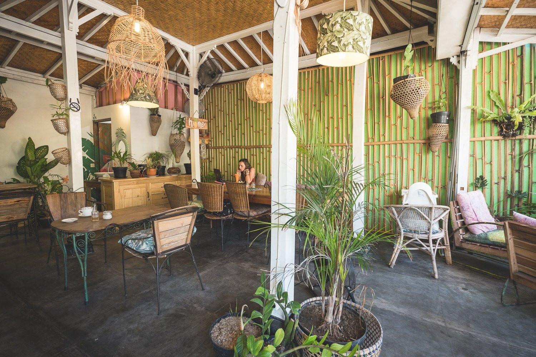 best restaurants in amed tropikal cafe