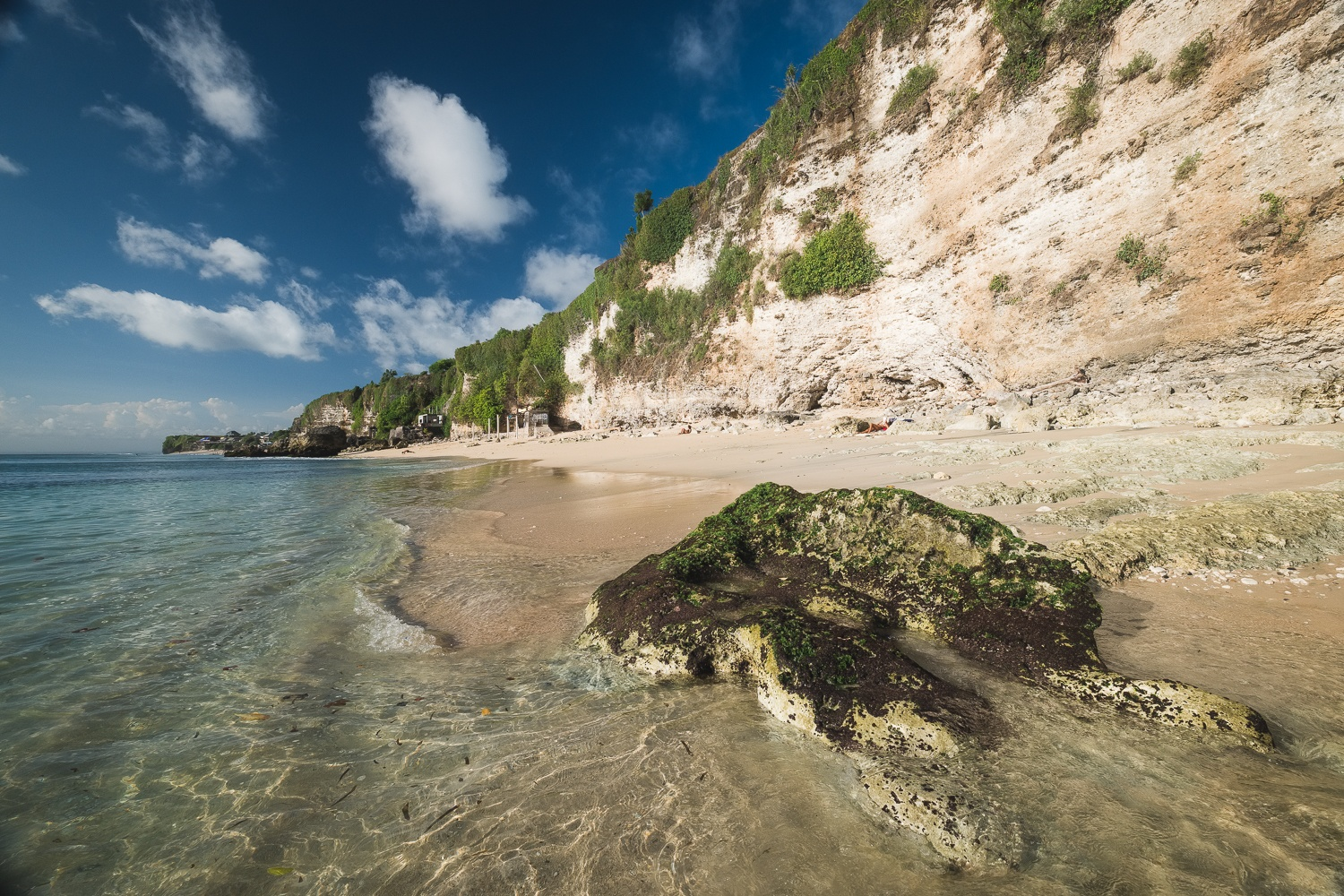 secret beach in uluwatu near bingin
