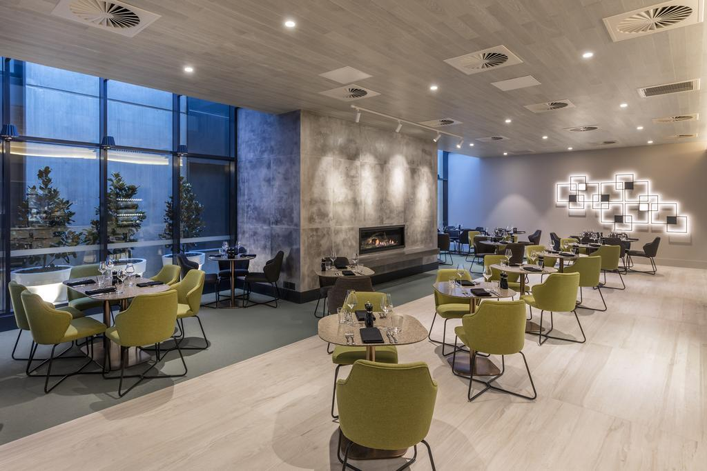 Deco Hotel Canberra