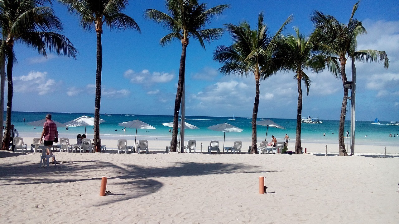 when to visit boracay