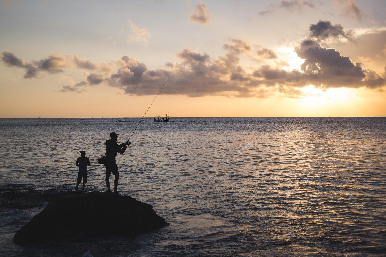 what to do in uluwatu at sunset pantai tengel wangi