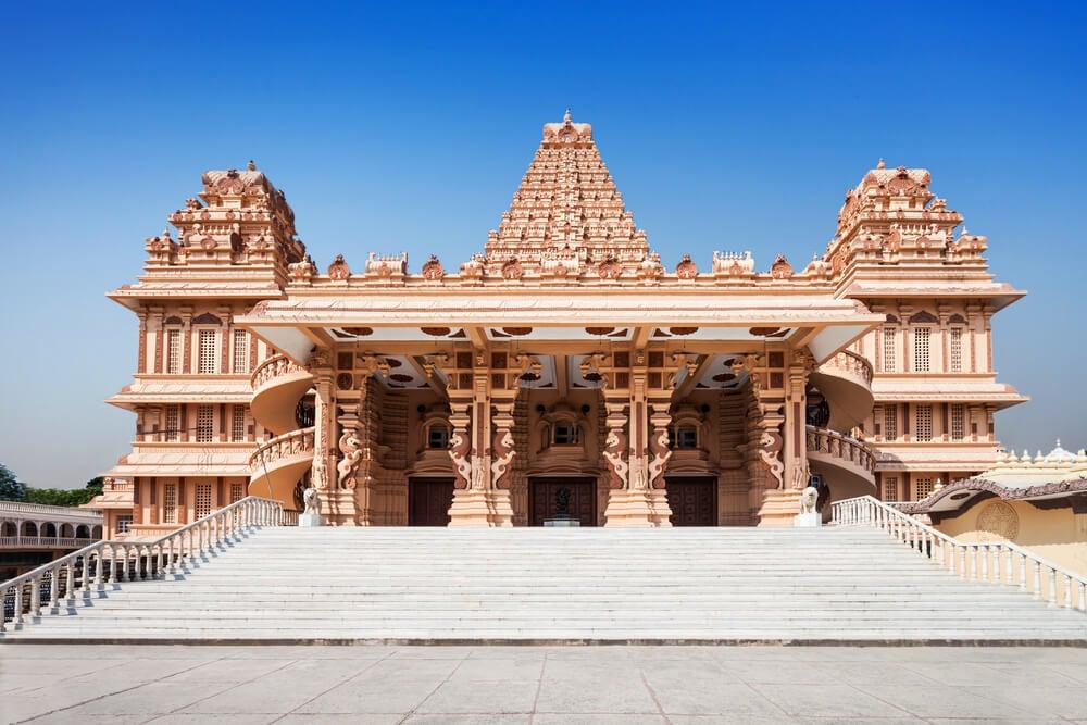 Visit Chhatarpur Temple