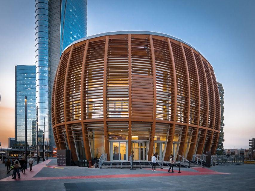 Milan's Modern Porta Nuova District