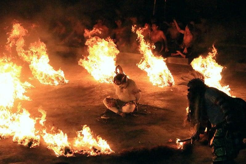 kecak fire dance, Uluwatu