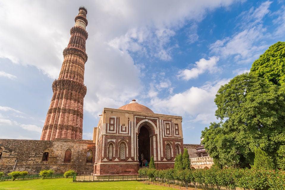 Delhi and Agra 2 Day Tour with Taj Mahal Sunrise