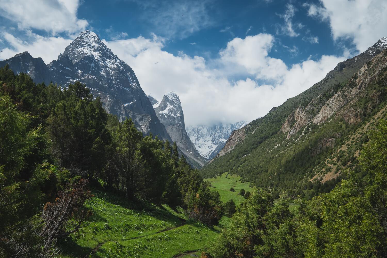 karavshan valley best hikes in kyrgyzstan