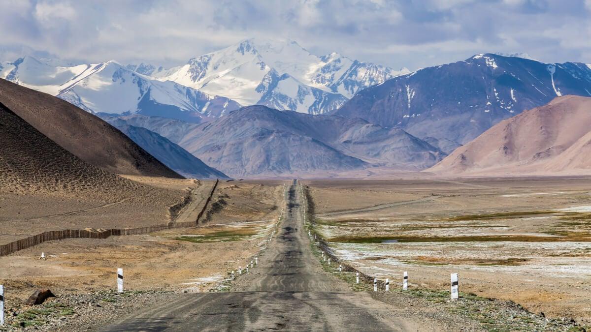 The Pamir Highway - an unexpected dream destination for van travel