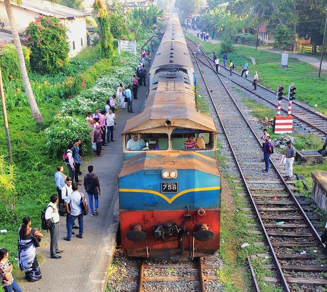 An old-school Sri Lanka railway train