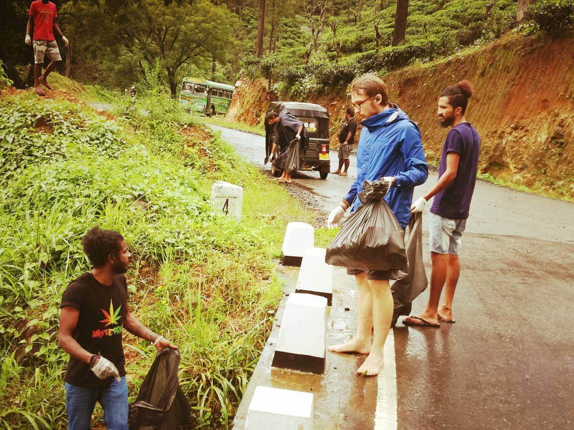 Roadside cleanup volunteering in Mauritius while travelling long-term