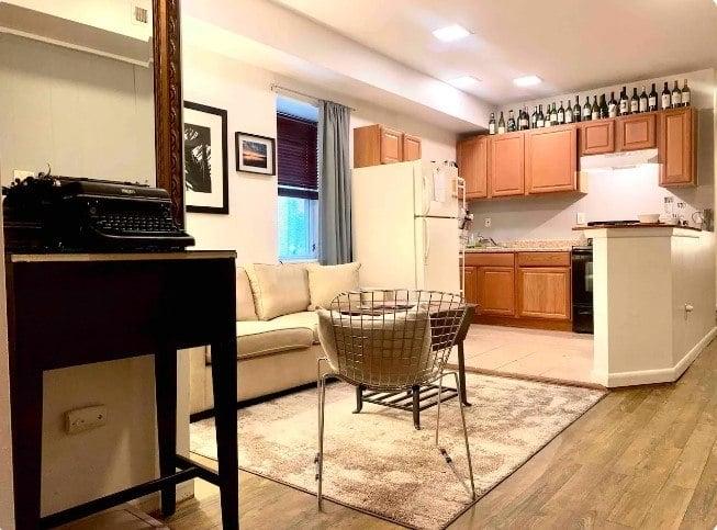 1 Bedroom Flat at Basement Price, Baltimore