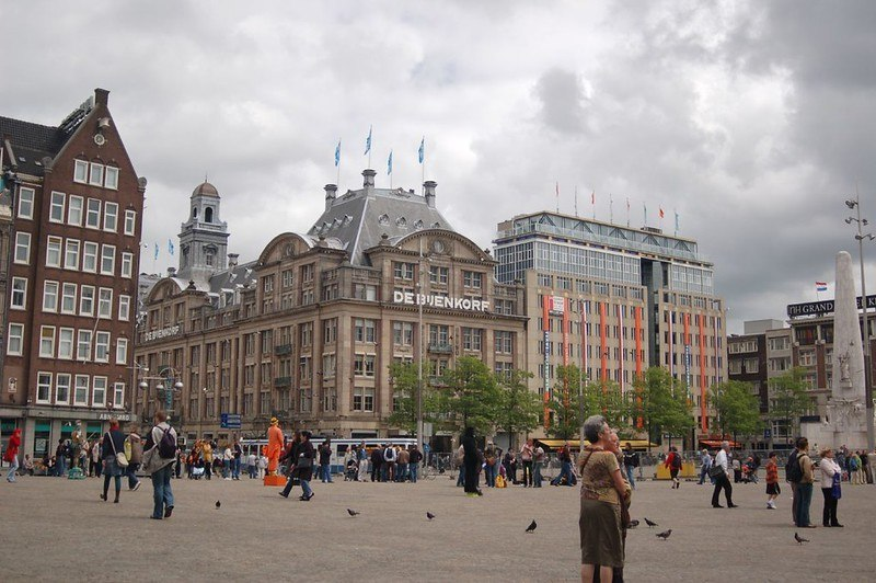 See the sights around Dam Square