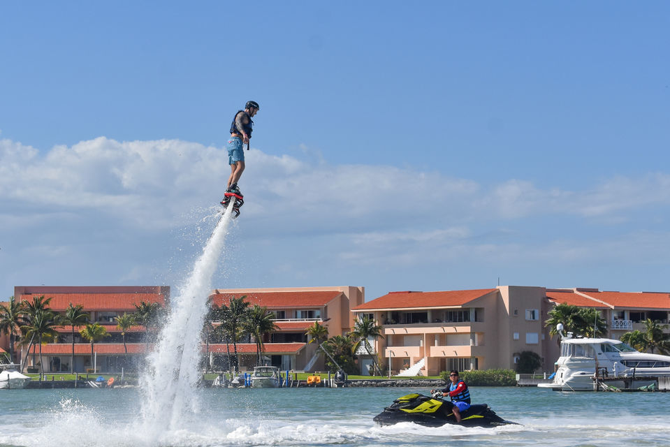 Experience flyboarding in Cancun