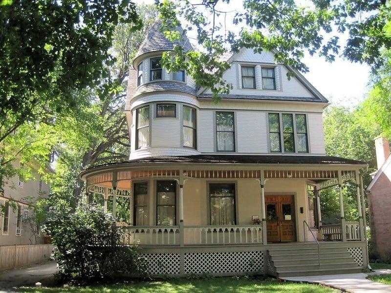 Ernest Hemingway Birthplace, Chicago