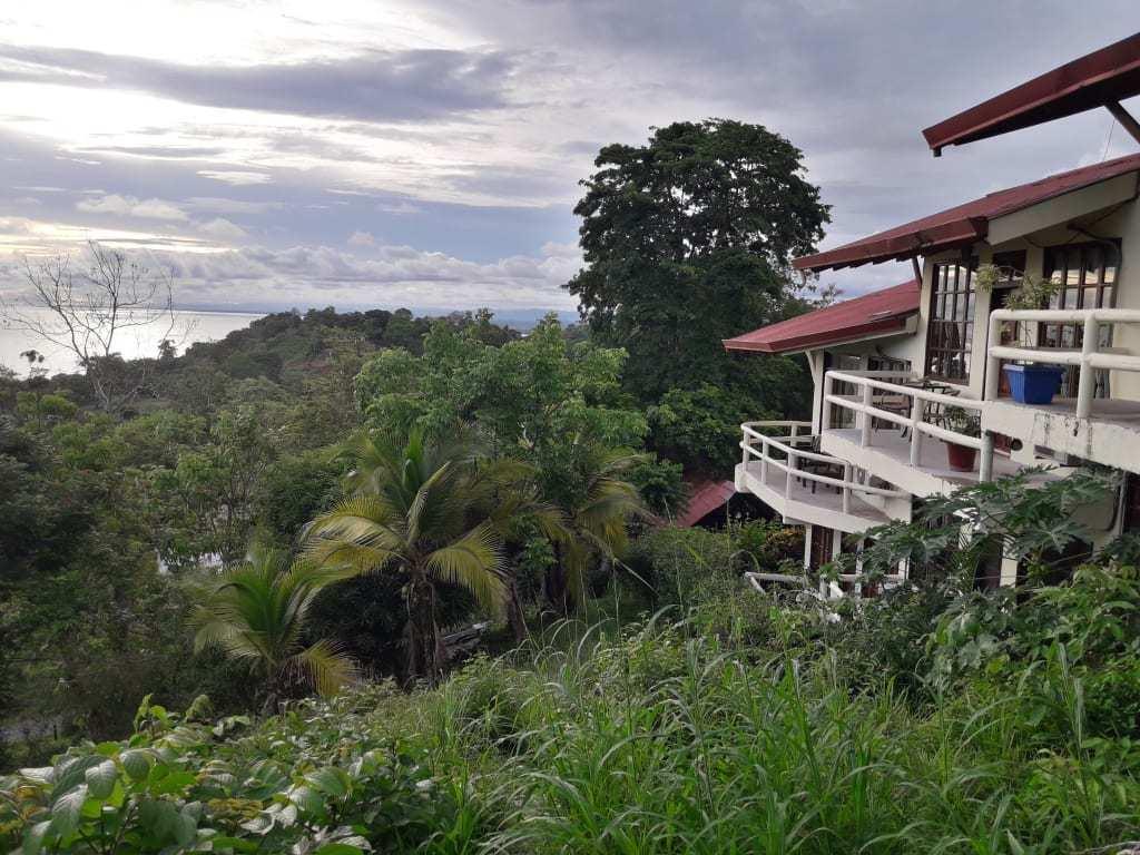 Hotel La Colina best hostels in Manuel Antonio