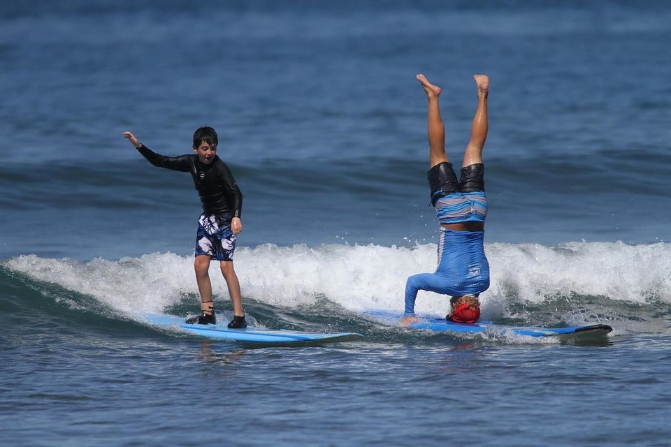 Lahaina surfing lesson in Maui