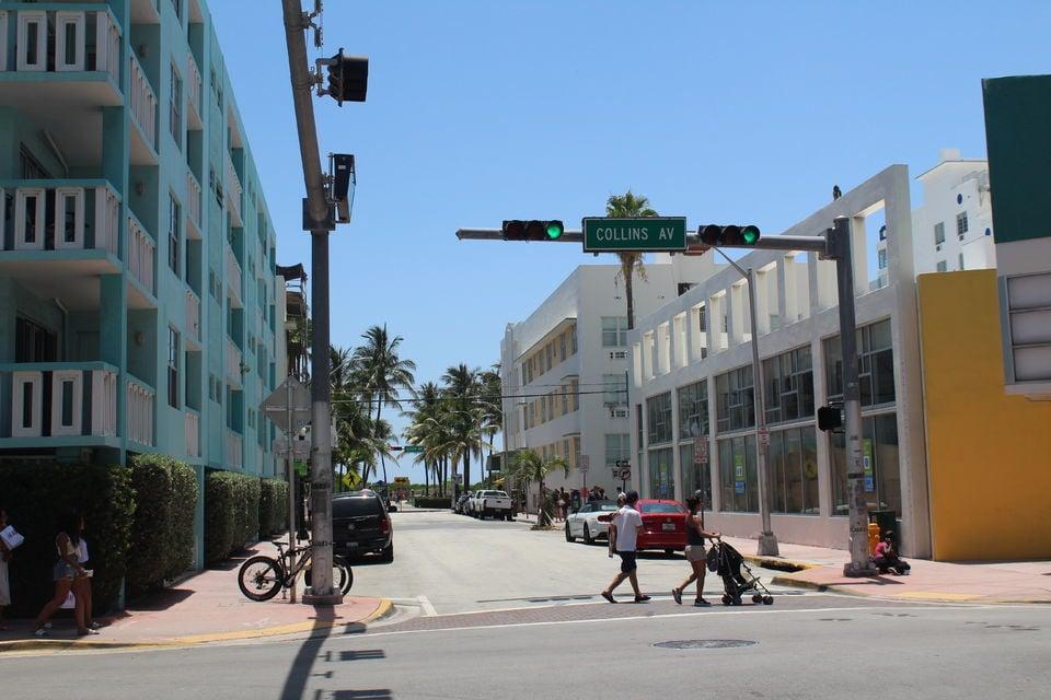 South Beach Walking Tour in Miami